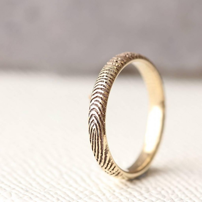 The Slender FingerPrint Ring